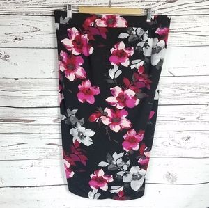Torrid streatchy pencil skirt size 1